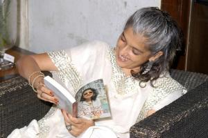Ratna Patak Shah enjoying Karen's book